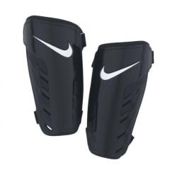 Ochraniacze piłkarskie Nike Park Guard SP0253 067