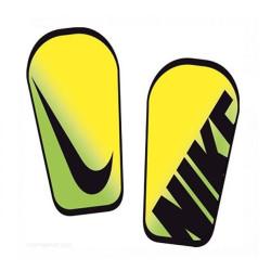 Ochraniacze piłkarskie Nike Mercurial Hard Shell Slip-In SP0267 730