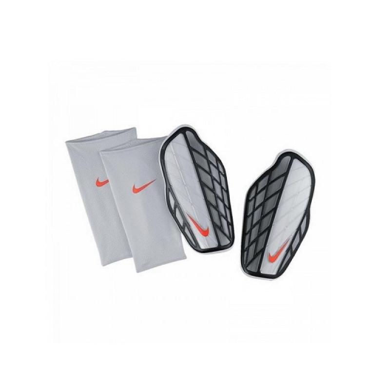 Ochraniacze piłkarskie Nike Protegga Pro SP0315 080