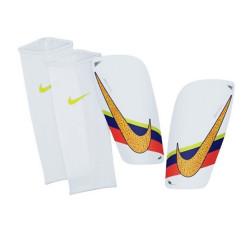 Ochraniacze piłkarskie Nike CR7 SP2073 187
