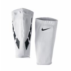 opaski na ochraniacze Nike Guard Lock Elite Sleeve SE0173 103